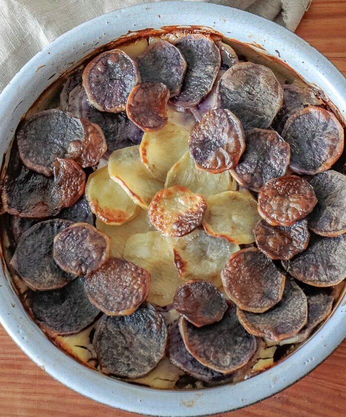 Gratin pommes de terre parfumé à la ventrèche porc noir de Bigorre